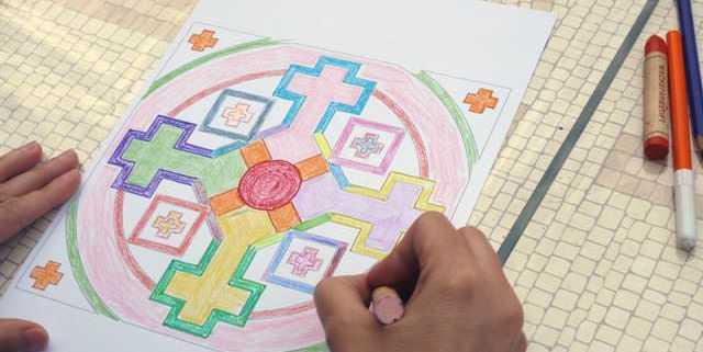 creativita-mandala-daniela-iacchelli-psicoterapeuta-bologna-100-640x321 Mandala Pasqua 2011