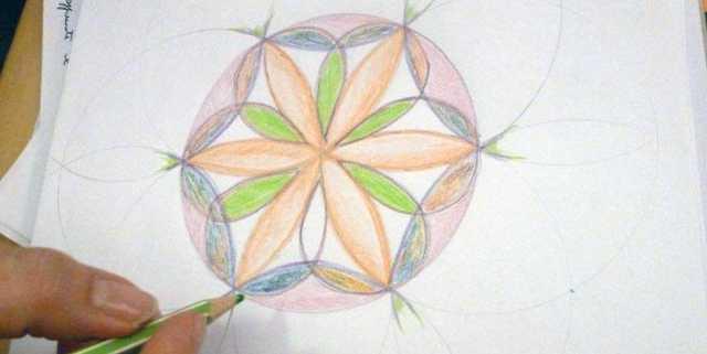 creativita-mandala-daniela-iacchelli-psicoterapeuta-bologna-45-640x321 Forme e Geometrie Sacre 2012